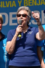 Adriana Cora, presidenta de La Liga contra el Cáncer agradece el apoyo incansable, de los trabajadores de Leon Medical Centers y Leon Medical Centers Health Plans.